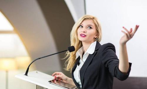 怎样上台讲话不紧张,上台演讲怎样做到不紧张?